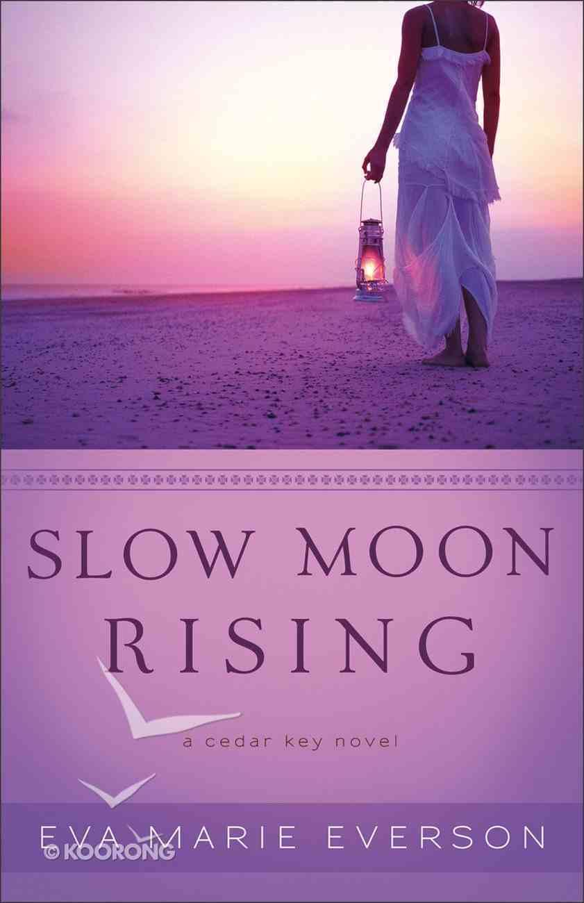 Slow Moon Rising (A Cedar Key Novel Series) Paperback