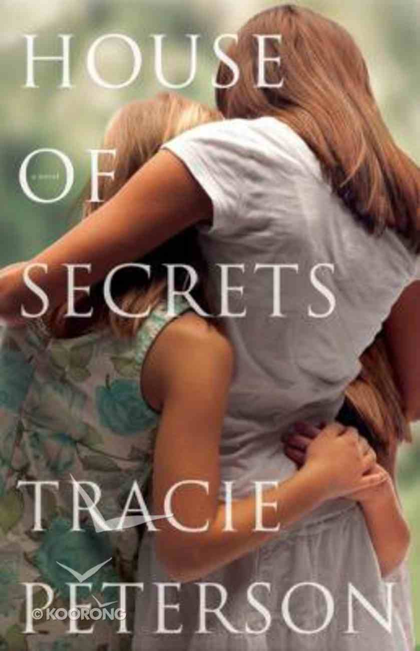 House of Secrets (Large Print) Paperback