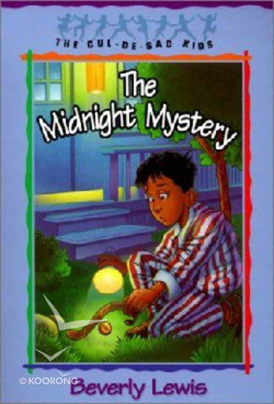 The Midnight Mystery (#24 in Cul-de-sac Kids Series) Paperback