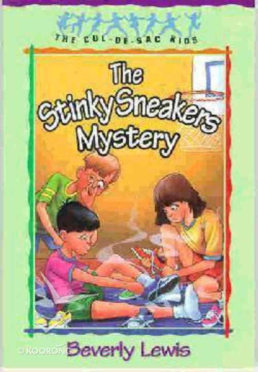 Stinky Sneakers Mystery (#07 in Cul-de-sac Kids Series) Paperback