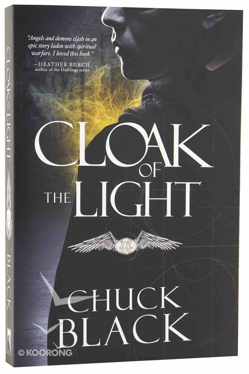 Cloak of the Light (#01 in Wars Of The Realm Series) Paperback