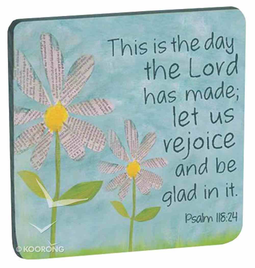 Petal of Praise Magnet: This is the Day... White Daisies (Psalm 118:24) Novelty