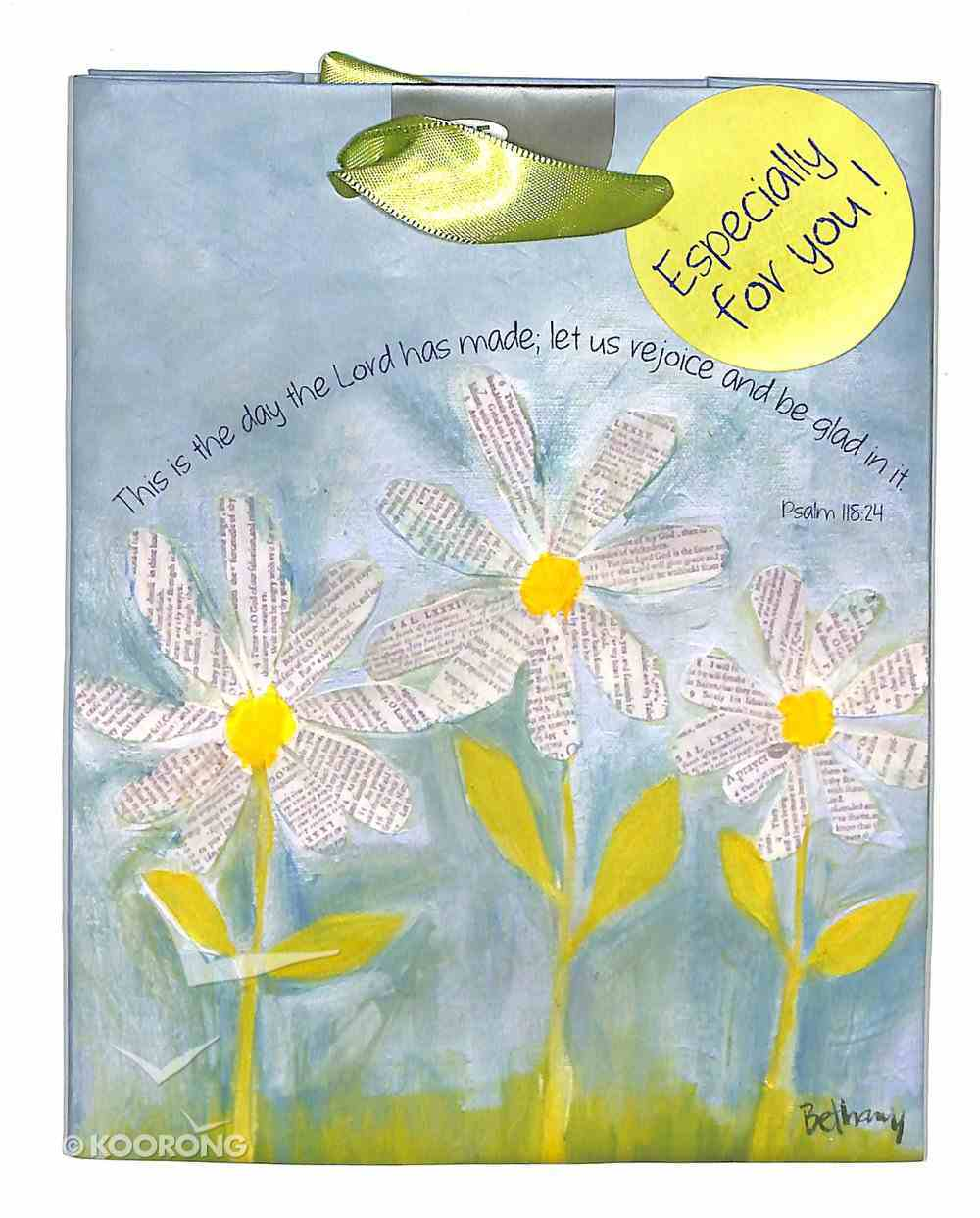 Petals of Praise Gift Bag Small: This is the Day... Stationery