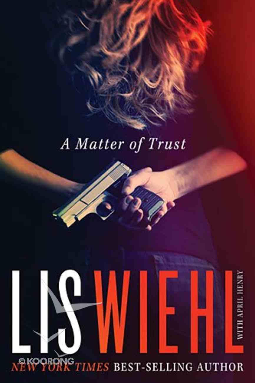 A Matter of Trust (#01 in Mia Quinn Mystery Series) Hardback