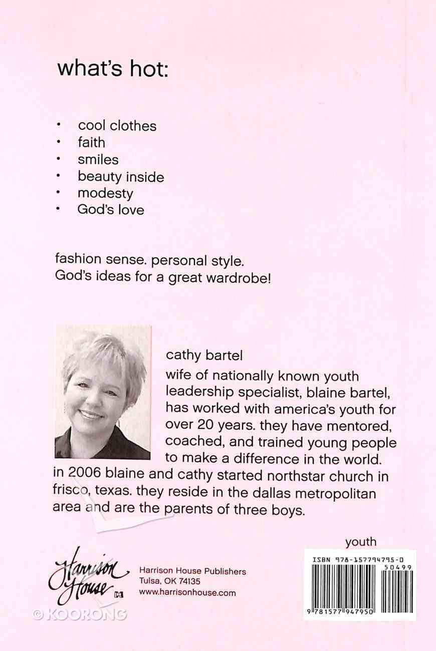 Every Teen Girl's Little Pink Book on What to Wear (Little Pink Book Series) Paperback
