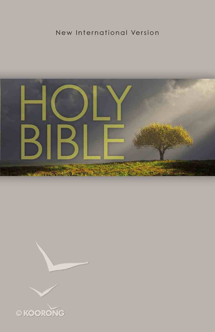 NIV Outreach Bible Tree (Black Letter Edition) Paperback
