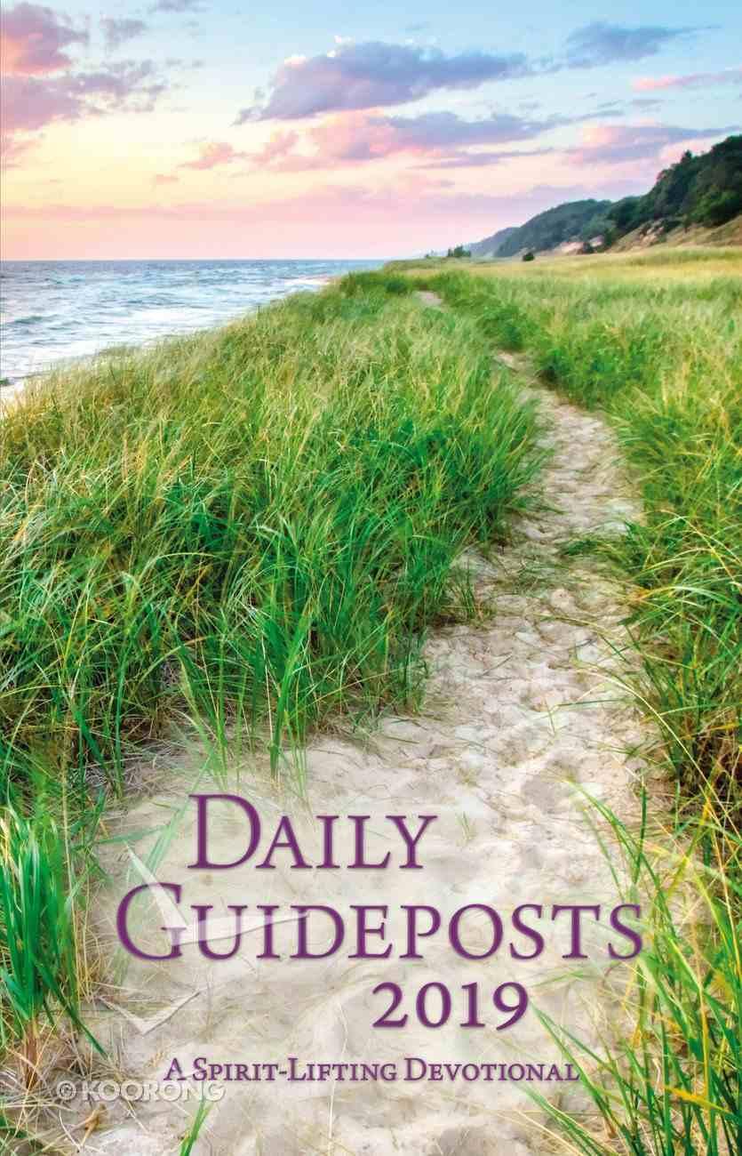 Daily Guideposts 2019: A Spirit-Lifting Devotional Hardback