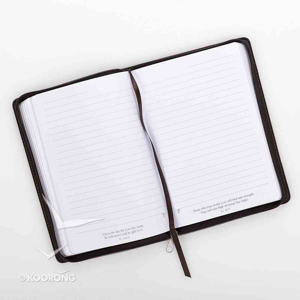 Journal With Zip Closure: Be Strong and Courageous, Brown/Beige Imitation Leather
