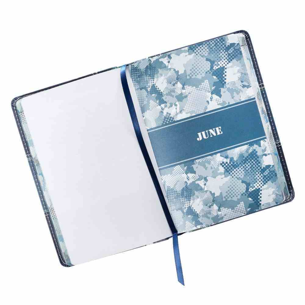 Pocket Bible Devotional For Guys: 366 Daily Readings Camouflage Blue and Green Imitation Leather