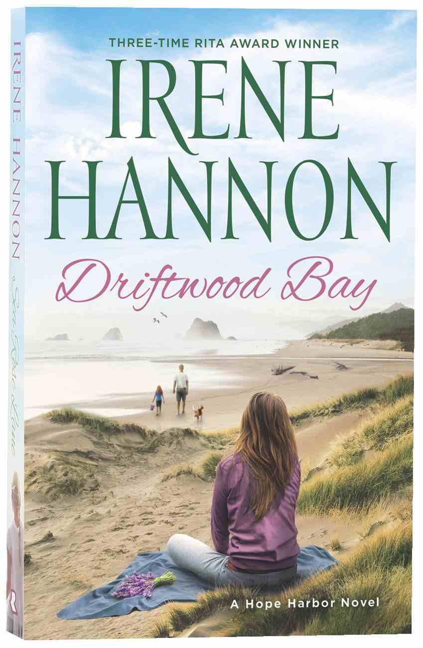 Driftwood Bay (Hope Harbor Series) Paperback