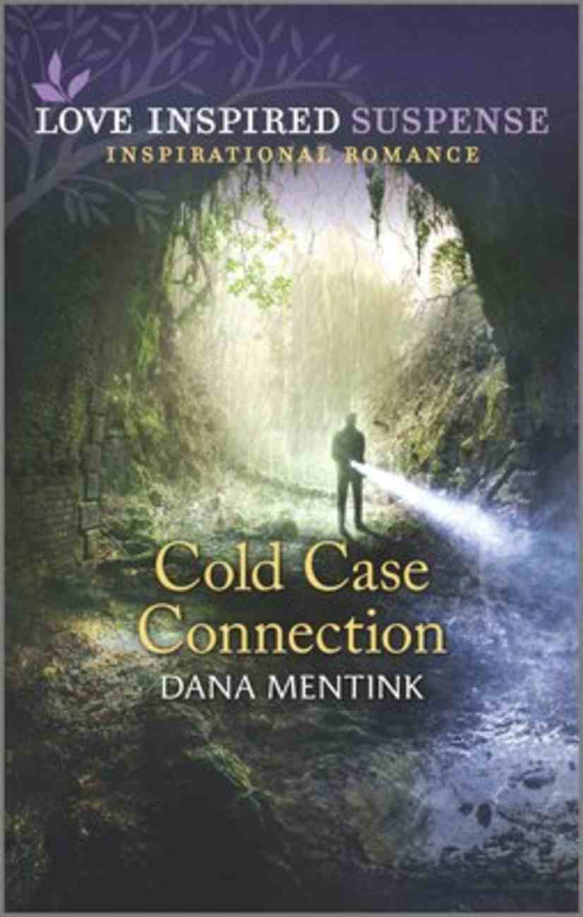 Cold Case Connection (Roughwater Ranch Cowboys) (Love Inspired Suspense Series) Mass Market