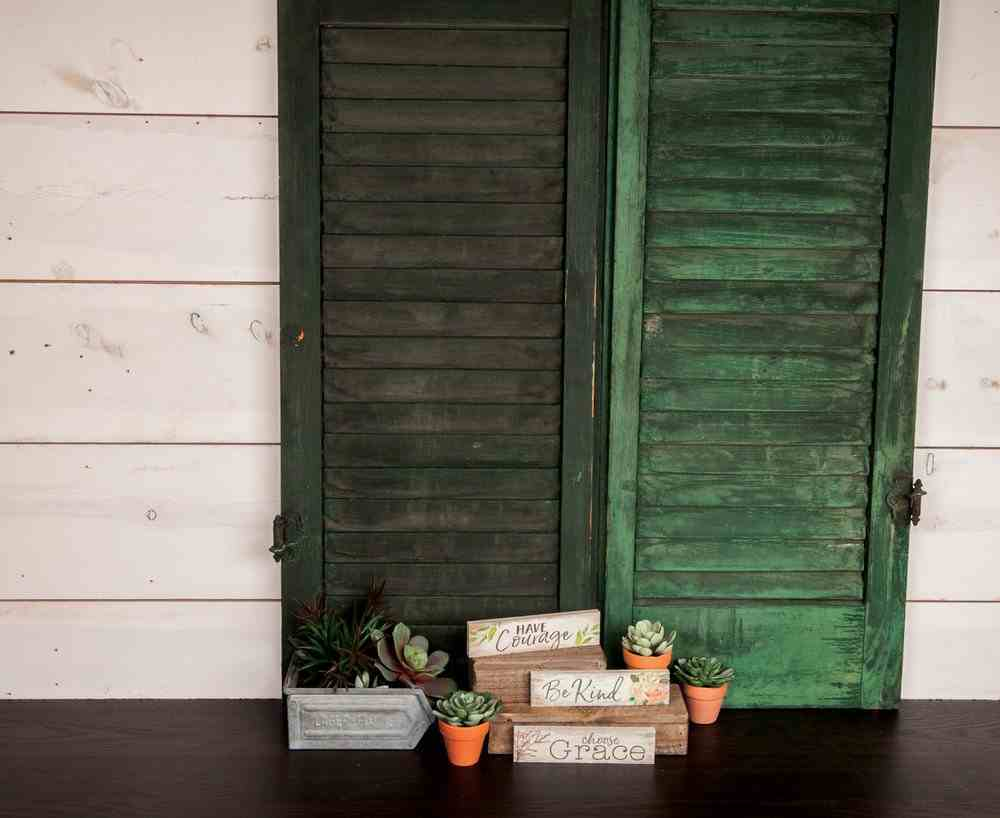 Tabletop Decor: Be Kind, Small Pine Sign, Roses Plaque