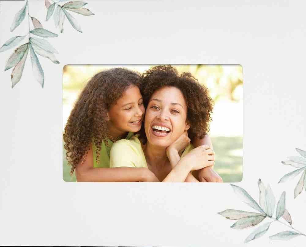 Photo Frame: Botanical, White (Holds One 4x6 Photo) Homeware