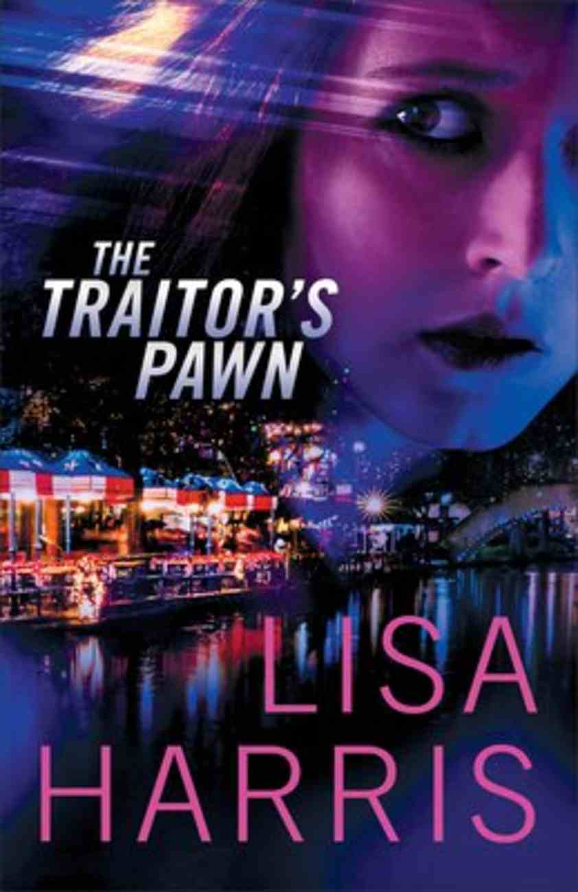 The Traitor's Pawn Paperback