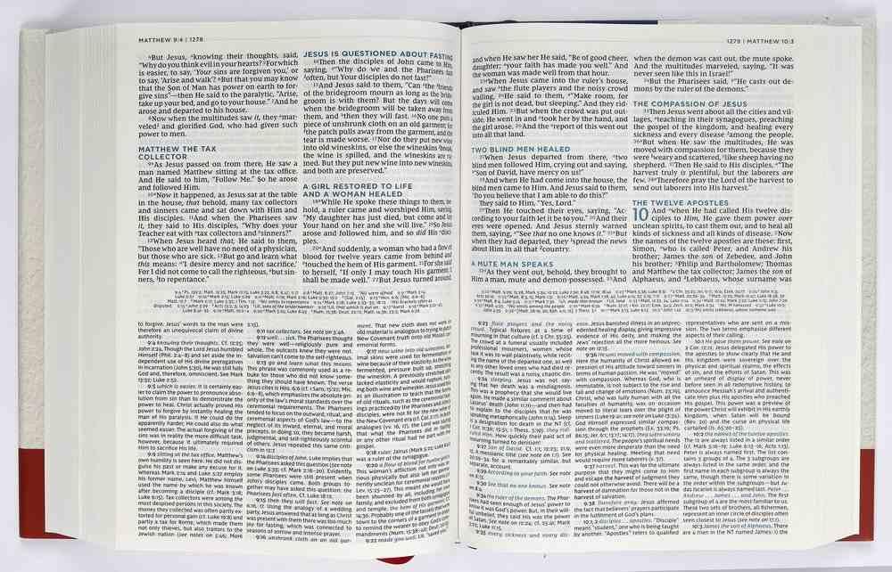 NKJV Macarthur Study Bible Blue (2nd Edition) Hardback