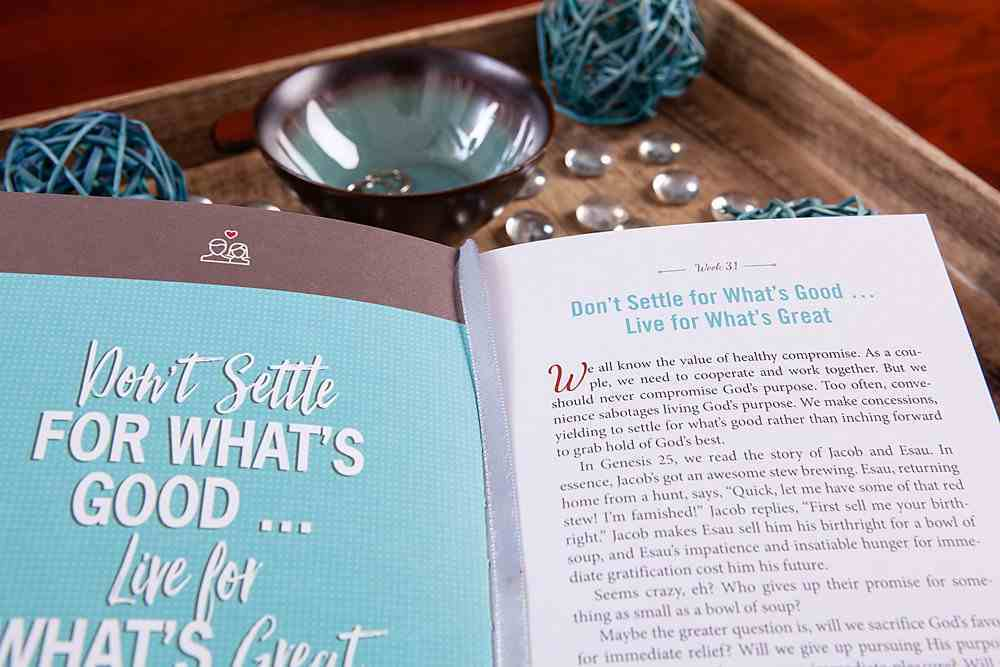 Married For a Purpose: New Habits of Thinking For a Higher Way of Living - 52 Weekly Devotions For Couples Hardback