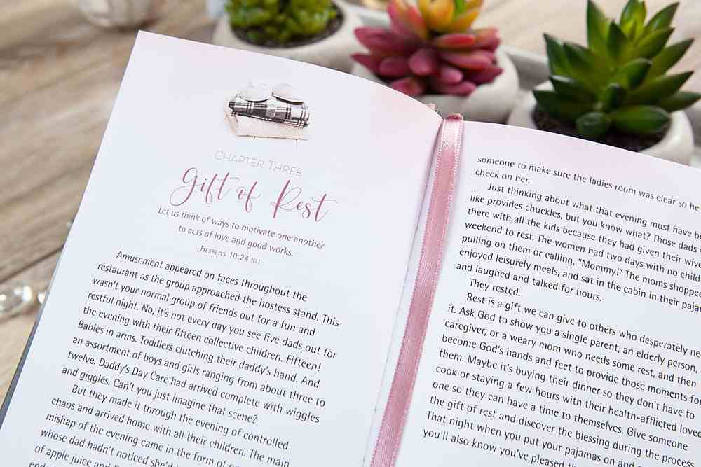 Be Still and Put Your Pjs on: 52 Devotions For Women Hardback