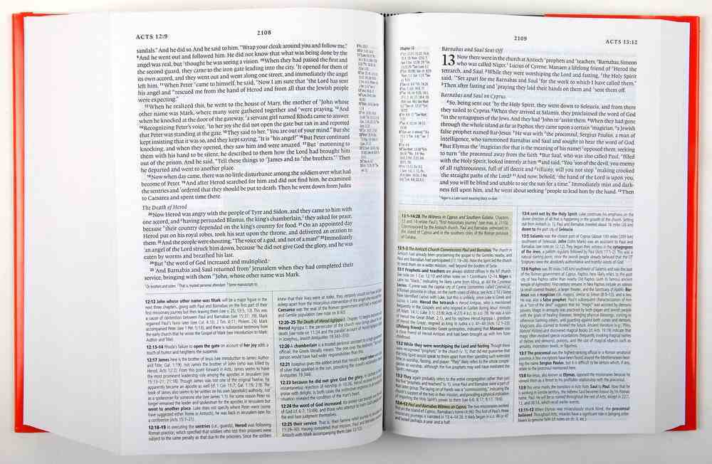 ESV Study Bible (Black Letter Edition) Hardback